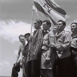 Buchenwald_survivors_arrive_in_Haifa